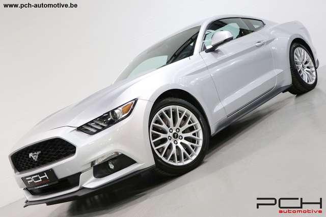 Ford Mustang Fastback 2.3 EcoBoost 317cv Boîte Manuelle