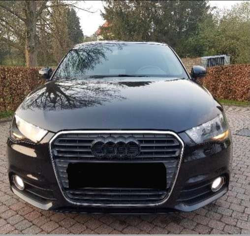 Audi A1 1.6 TDi Ambition kit s lijn