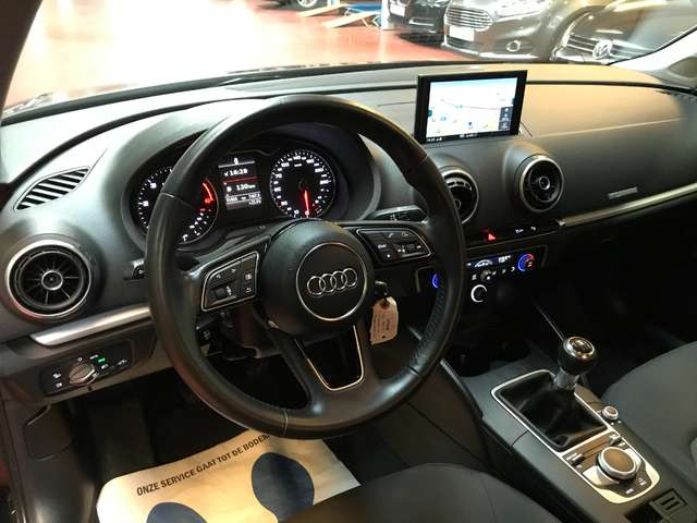 Audi A3 TDI LIMO 4 portes - NAVI/XENON/CRUISE - Garantie
