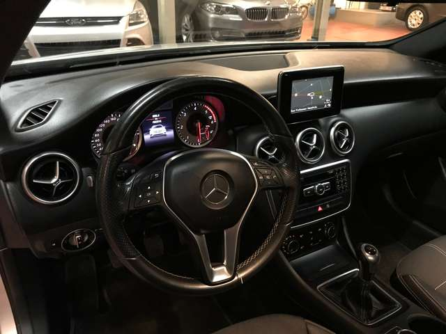 Mercedes A 180 d EURO 6 !! PANODAK/CAMERA/NAVI - Garantie