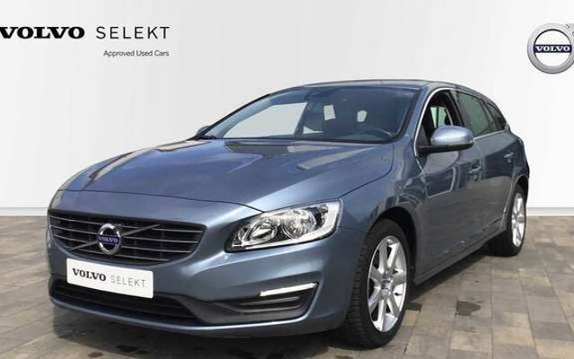 Volvo V60 Momentum D2 Geartronic