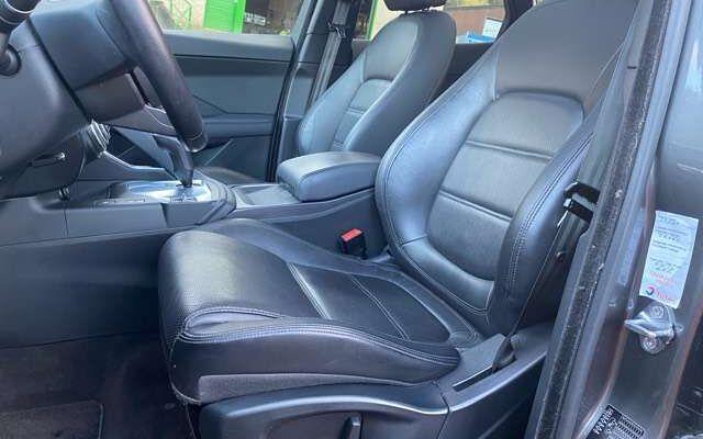 Jaguar E-Pace 2.0 D AWD Automatique // Cuir Noir // Toit Pano