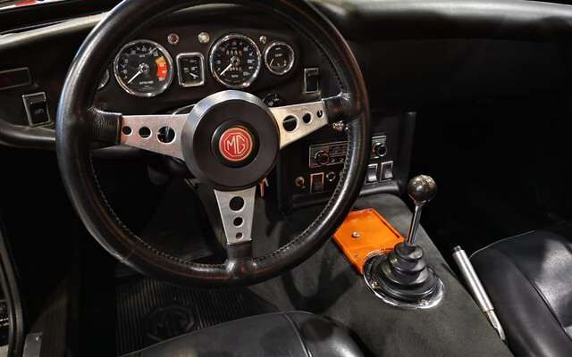 MG MGB .8 GT modèle rare * SPLIT BUMPER * overdrive