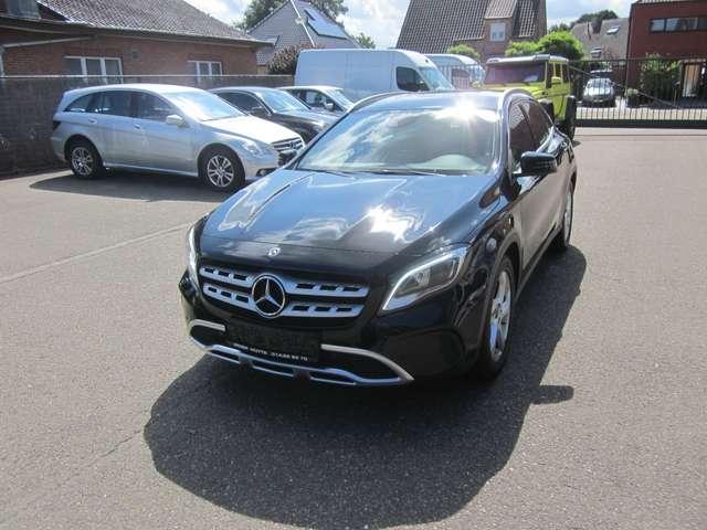 Mercedes GLA 180 urban -