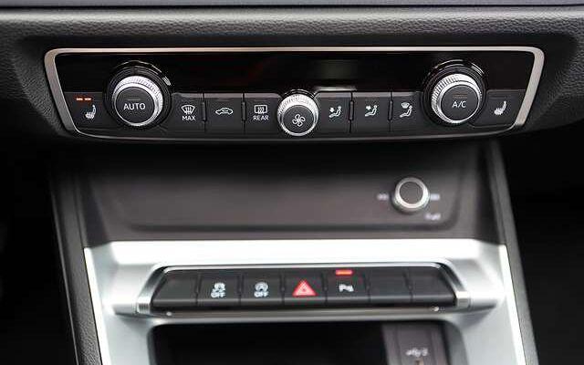 Audi Q3 35 TFSI S line S tronic/*8000km*/PANO/TREKHAAK
