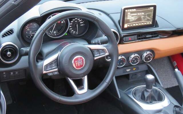 Fiat 124 Spider 1.4 MultiAir Lusso