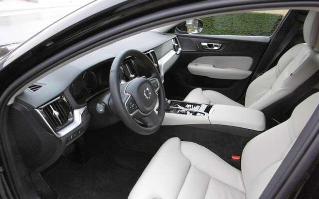Volvo V60 2.0 T6 TE AWD PHEV Momentum Pro, leder,vol led,19'