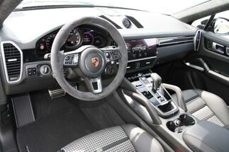 Porsche Cayenne Coupe Turbo stock ! sportpackage carbon NP 176.116