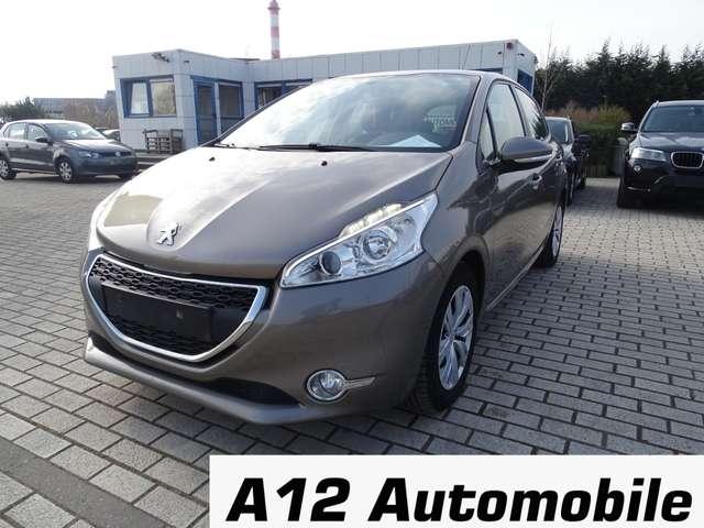 Peugeot 208 1.2i  ** EURO 5 ** KEURUNG INCL. **