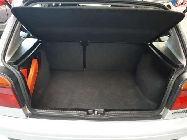Volkswagen Golf 1.8i CL
