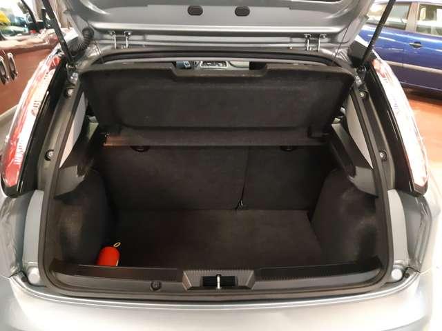 Fiat Punto 1.2i Lounge