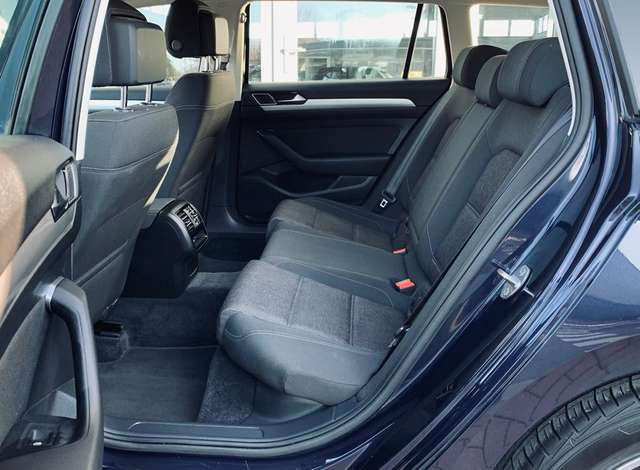 Volkswagen Passat Variant Boite Auto/ GPS/ Palettes au volant/ Front assist
