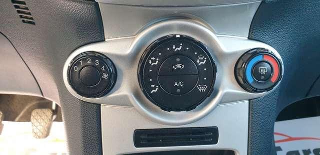 Ford Fiesta 1.6 TDCi Sport**GARANTIE 12 MOIS **