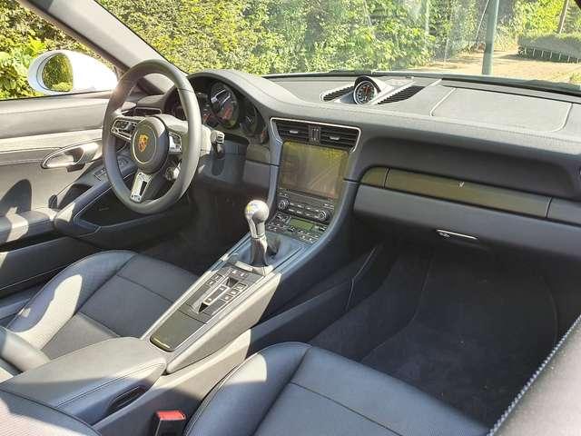 Porsche 991 TARGA 4 GTS - MANUAL GEARBOX