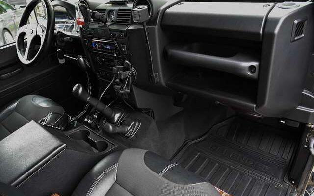 Land Rover Defender 110 2.2 TD CREW CAB DCPU *** 1HD. / HARDTOP***