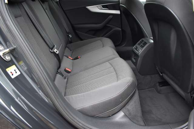 Audi A4 2.0 TDi /Navi/Airco/2017/Xenon/Camera/Garantie