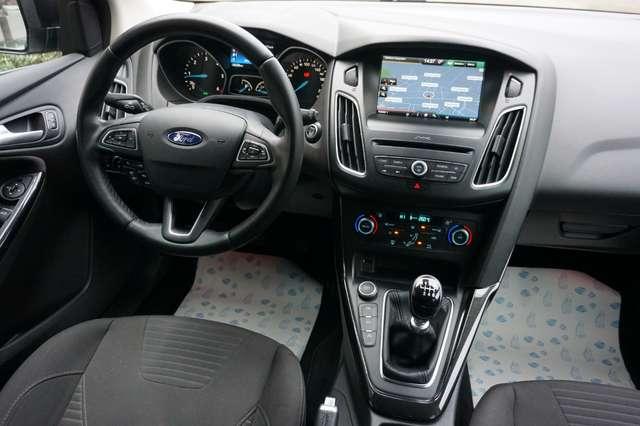 Ford Focus 1.5 TDCi Titanium/Navi/Airco/PDC/82Dkm/*Garantie*