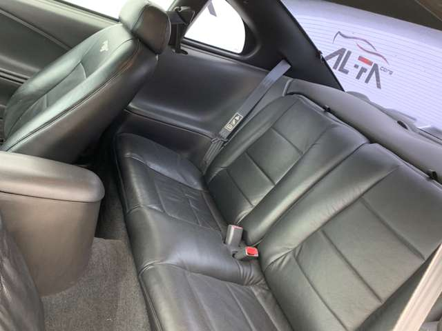 Ford Mustang 3.8i V6 * 1er Main * État Collection *DESTOCAGE