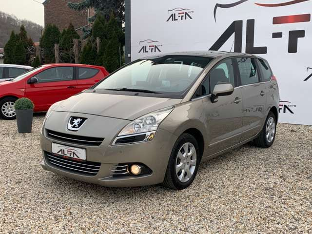 Peugeot 5008 1.6 HDi Style * GPS * 7 PLACES *