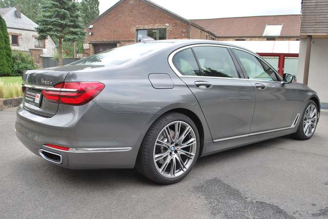 BMW 730 X-Drive*Full Option* Cuir Nappa, Etat Show-Room !!