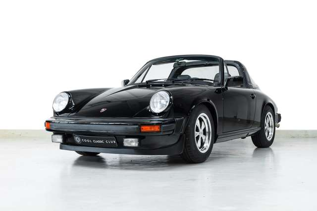 Porsche 911 2.7 S Targa -Fully bare metal restored - Matching