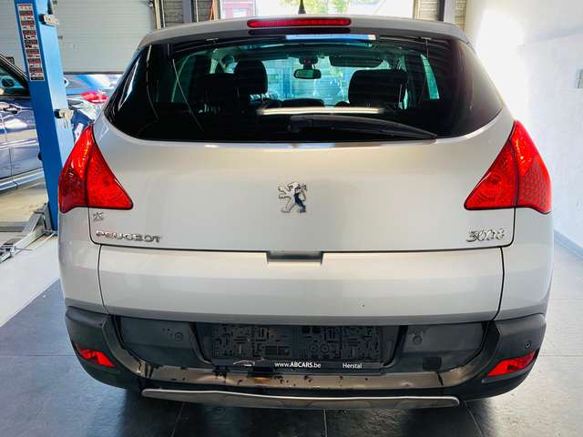 Peugeot 3008 1.6 HDi Premium * carnet *