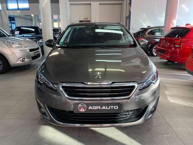 Peugeot 308 1.2 PureTech Allure STT