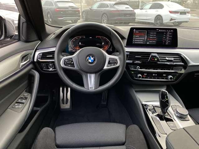 BMW 520 520d M-Sport Mild Hybrid
