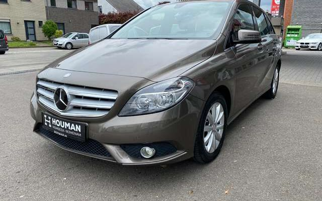 Mercedes B 180 CDI - Automaat - Trekhaak - Parkeerhulp - Navi