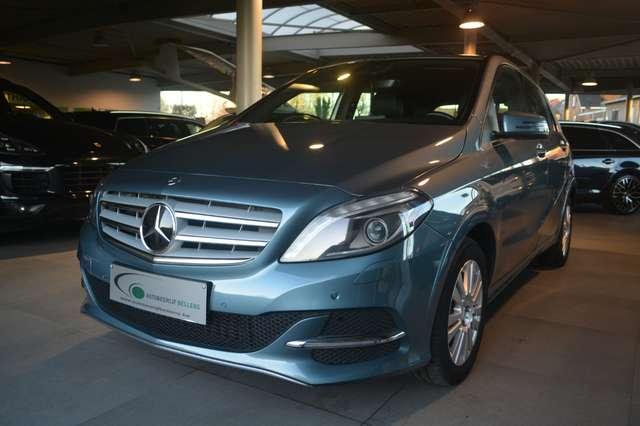 Mercedes B 200 BENZINE + CNG / LEDER / NAVI / DISTRONIC