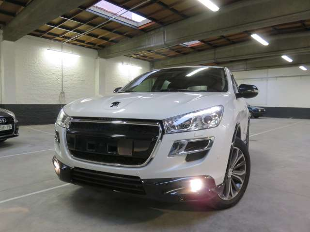 Peugeot 4008 1.6 HDi Allure  4x4 -Stockdeal 10.999 euro's 2013
