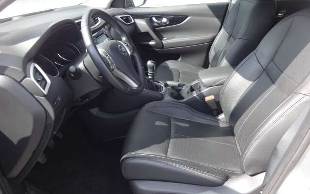 Nissan Qashqai 1.2 DIG-T 2WD LEDER GPS PANO XENON CAMERA