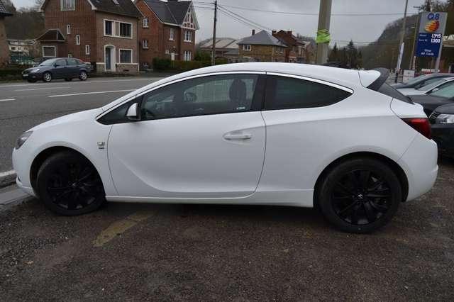Opel Astra 1.6 GTC