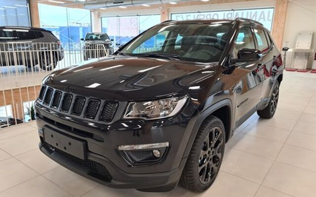 Jeep Compass Black Star 1.6MJET 120PK 0km wagen