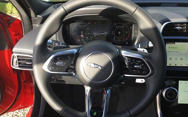 Jaguar XE R-Dynamique SE