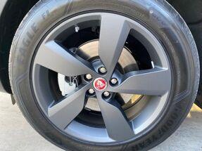 Jaguar E-Pace R Dynamic S D150 - NOG NIET INGESCHREVEN