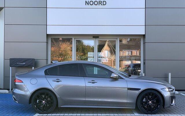 Jaguar XE // R-Dynamic S