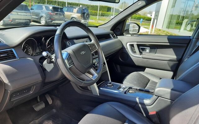 Land Rover Discovery Sport SE P200