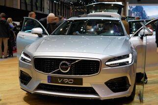 Volvo V90 R-Design B5 Super 250PS/184kW Aut. 8 2021...
