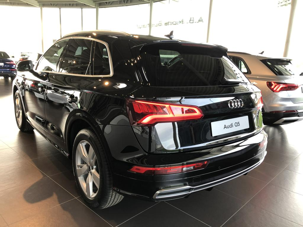 Audi Q5 35 TDi Business Edition Sport S tronic