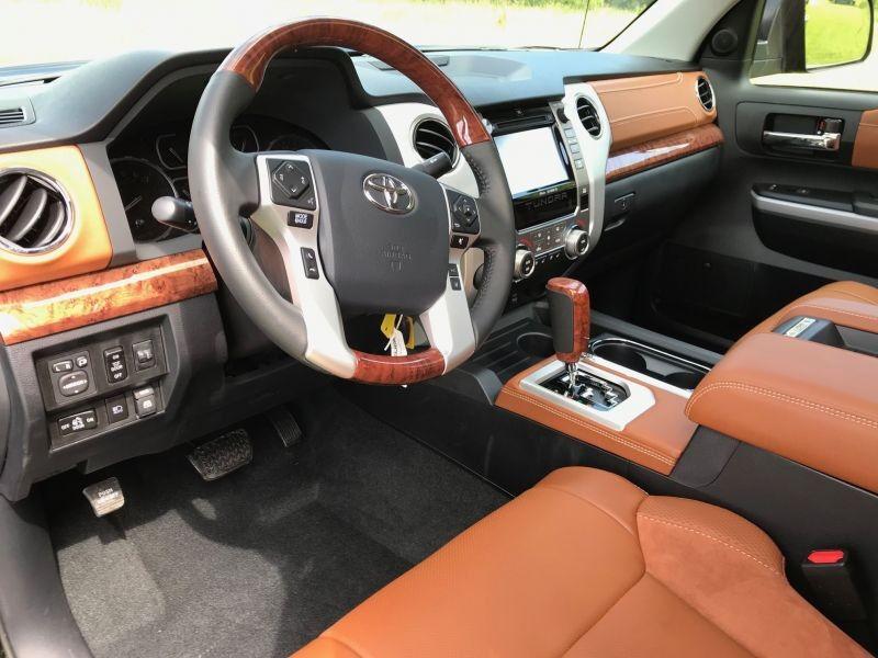 Toyota Tundra 5.7 V8 CrewMax 1794 Edition 4WD Auto.