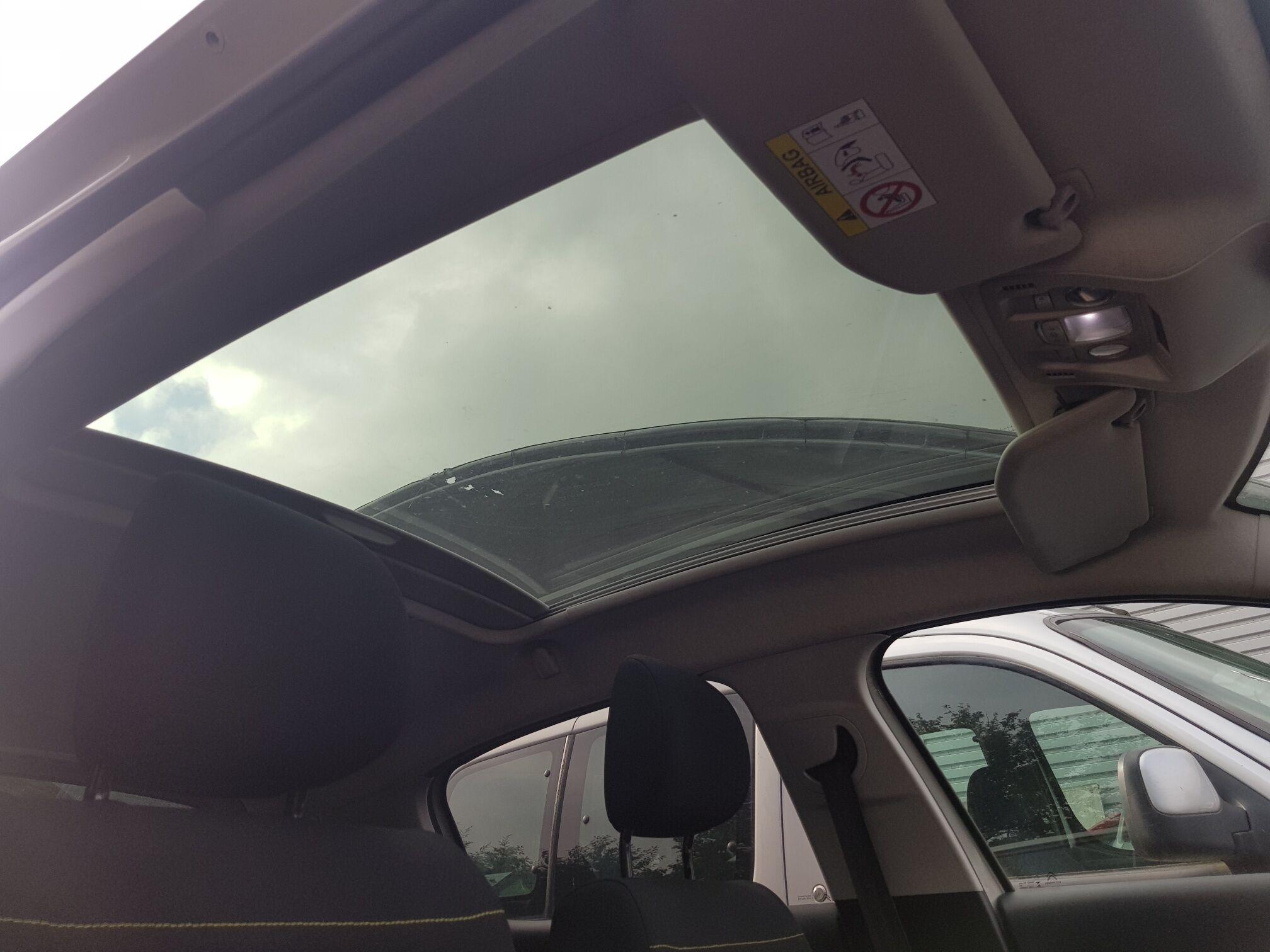 Citroen C3 attraction automatique toit panoramique