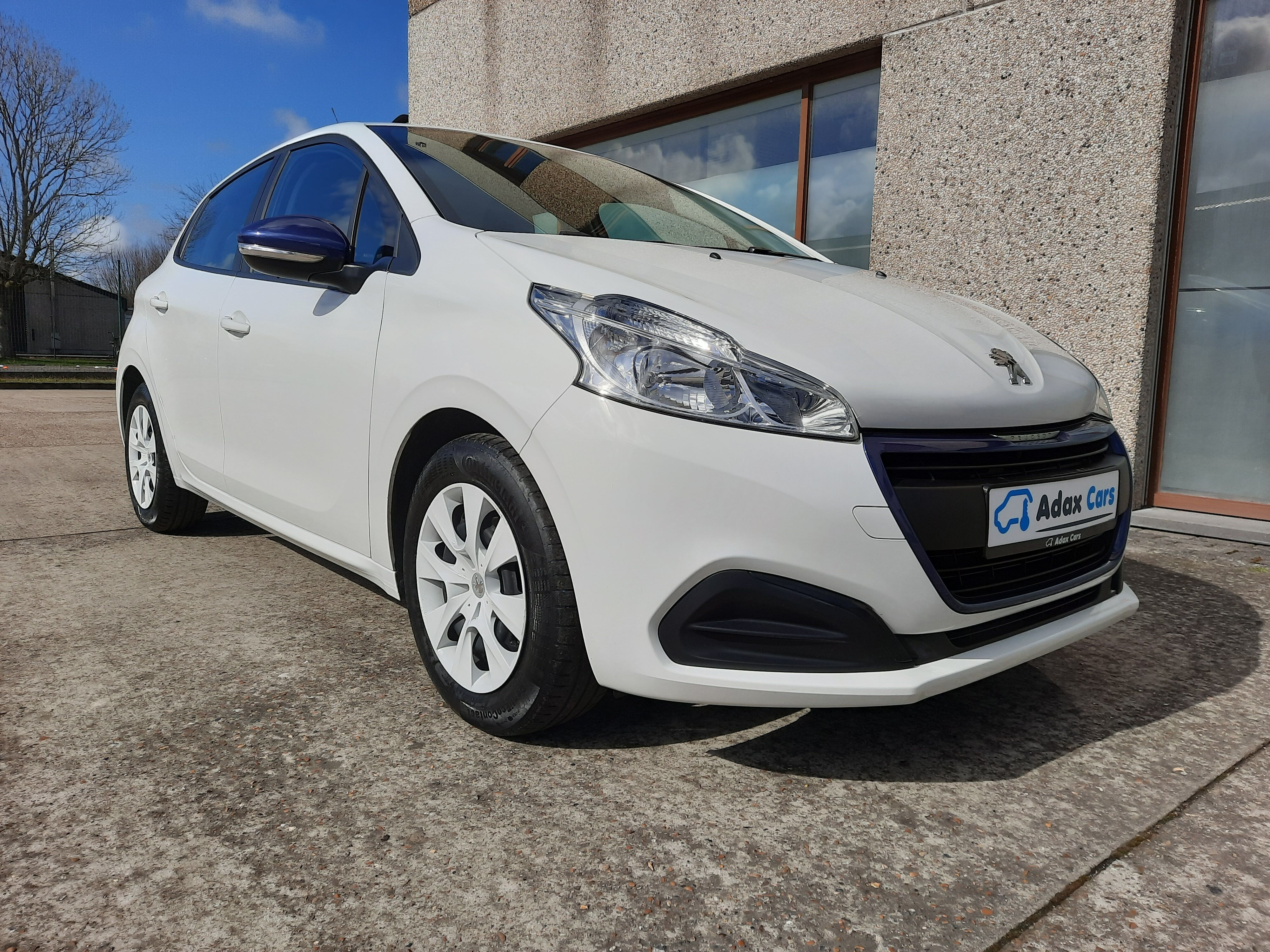 Peugeot 208 1.0 benz LIKE