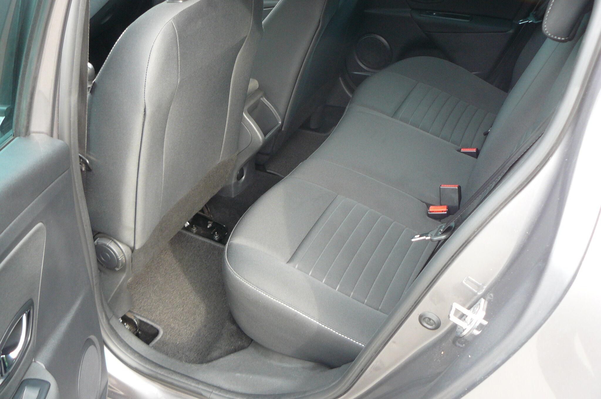 Renault Megane 1.2 TCe Navigatie 1 jaar garantie 1 an