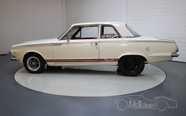 plymouth-valiant-1965-p4954-043
