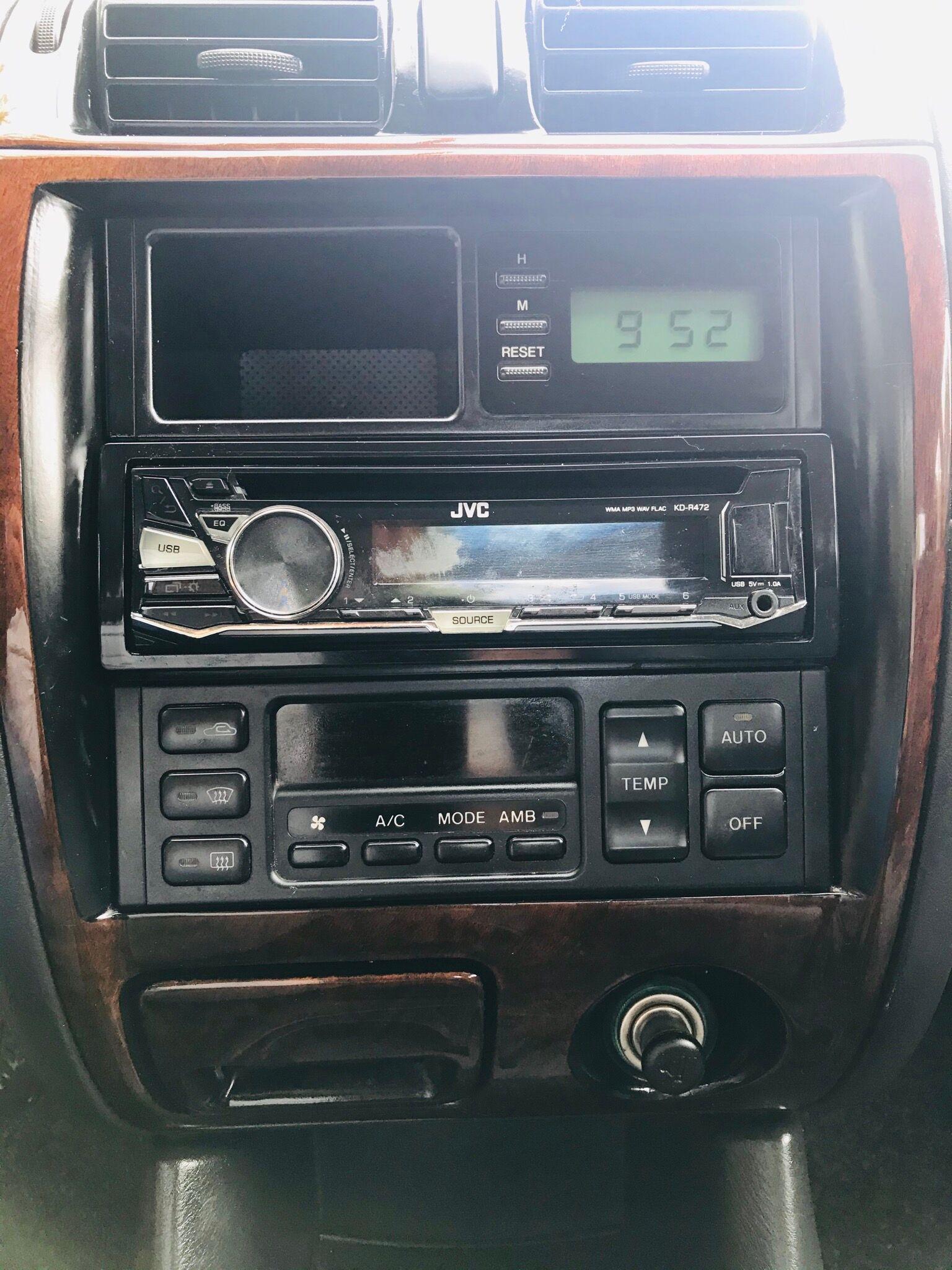Mazda 626 Mazda 626 1,8essence airco 4 vitre électrique
