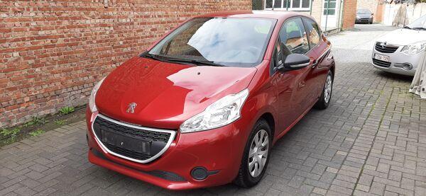 Peugeot 208 1.2i * Airco*  Cruise control* TOPPER!!!!