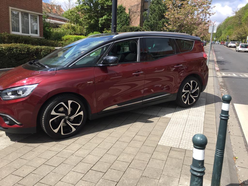 Renault Grand Scenic boss