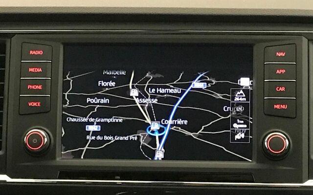 SEAT Ateca STYLE 1.6TDI CR 115CV (85kW) DSG 7v * CAM RECUL * GPS * BLETOOTH *