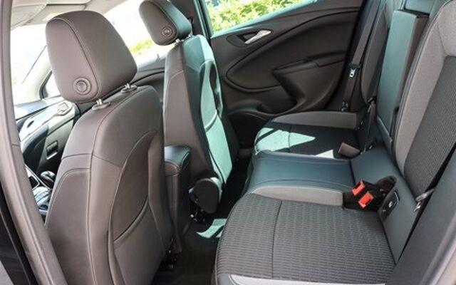 Opel Astra 1.2 TURBO ELEGANCE SPORTS TOURER *2-JAAR GARANTIE*NAVI *CAMERA *INNOVATION PACK
